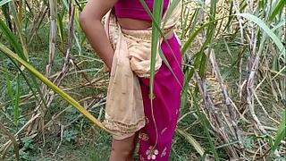 गर्लफ्रेंड ललिता भाभी को जंगल के रास्ते में चोद दिया